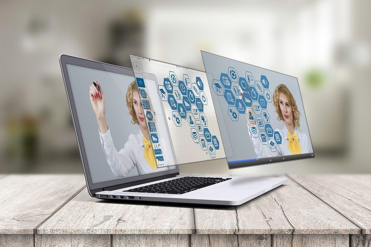 Presiona esta imagen de una computadora portatil en 3D para ver el video